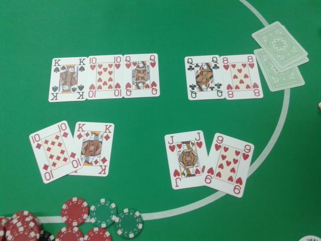 Quinte flush tournoi de poker à la maison du Braden Quimper