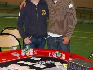 Francky et jucali les vainqueurs du tournoi de poker au profit des resto du coeur